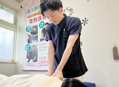骨盤矯正施術写真